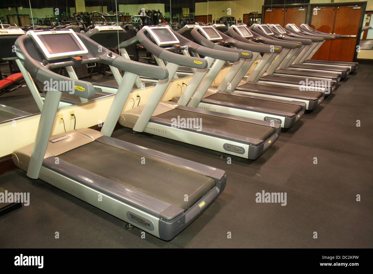 Florida Weston Fort Ft. Lauderdale Bonaventure Resort and & Spa hotel treadmills fitness center centre - Stock Image