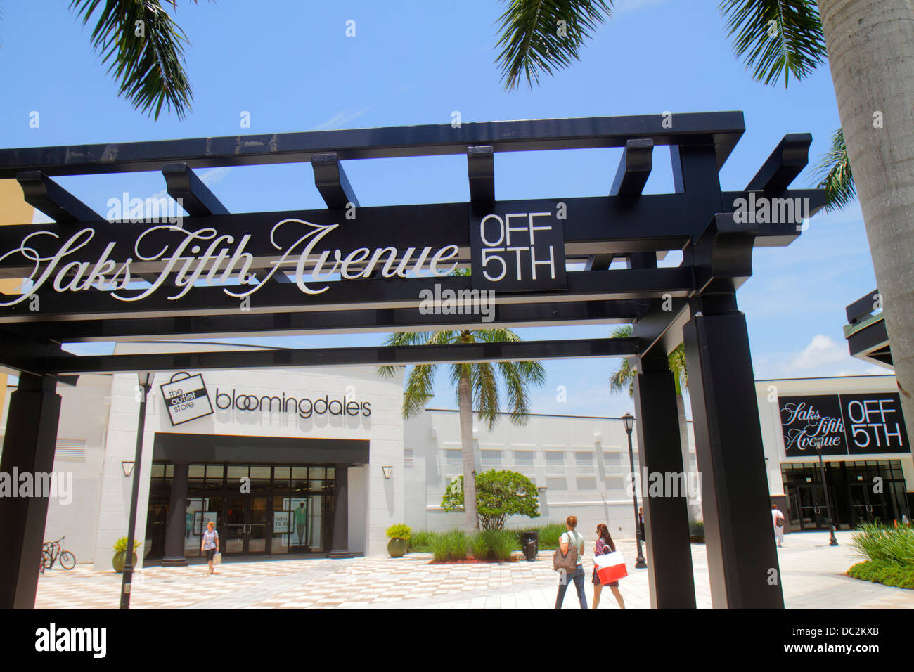 Florida Sunrise Fort Ft. Lauderdale Sawgrass Mills Mall shopping entrance exterior Saks Fifth Avenue Off 5th - Stock Image