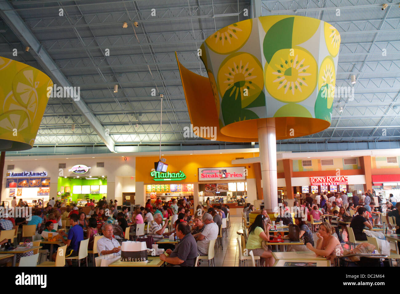 Florida Sunrise Fort Ft. Lauderdale Sawgrass Mills Mall food court tables restaurant families - Stock Image