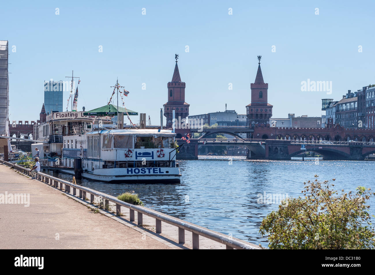 Western Comfort Floating Hostel with Floating Lounge on the Spree River, and Oberbaum Brücke (Oberbaum Bridge) – Stock Photo