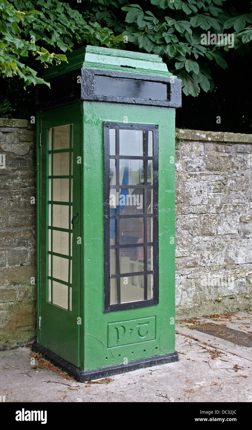 Green phone box, Castle Leslie, County Monaghan, Ireland, Western Europe. - Stock Image