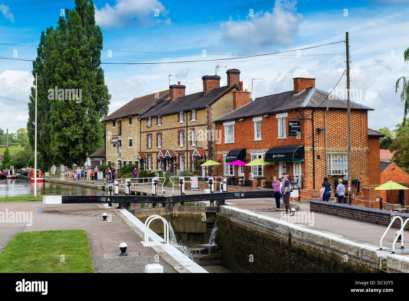Grand Union Canal at Stoke Bruerne, Northamptonshire. - Stock Image