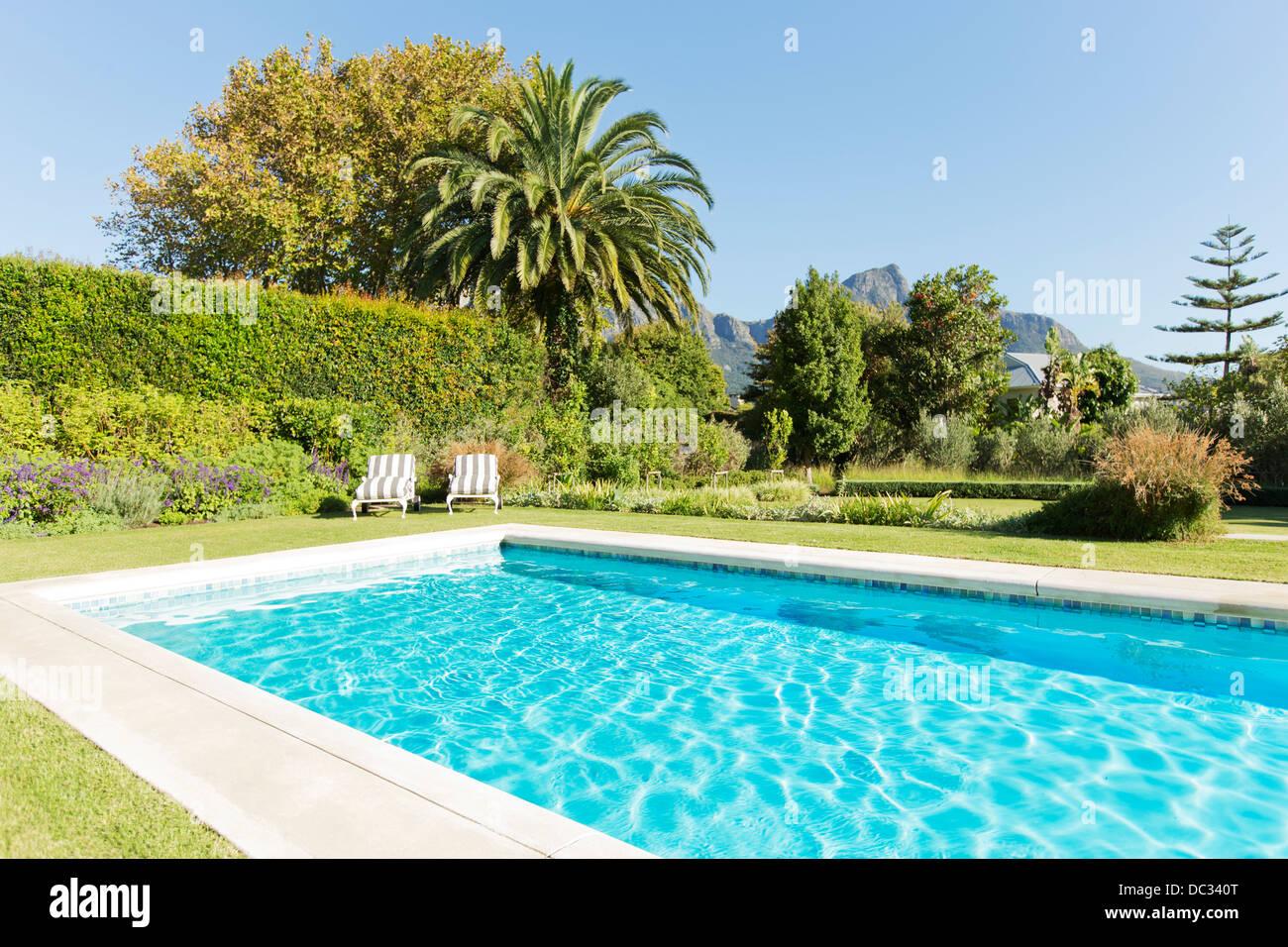 Luxury swimming pool and garden - Stock Image