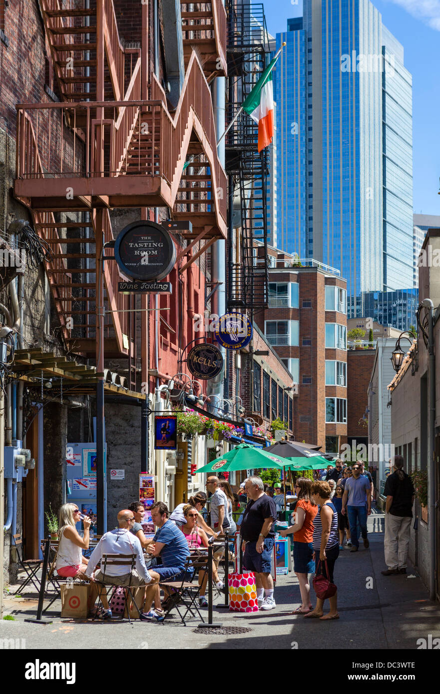 bars and restaurants on post alley behind pike place market in stock photo 59093118 alamy. Black Bedroom Furniture Sets. Home Design Ideas