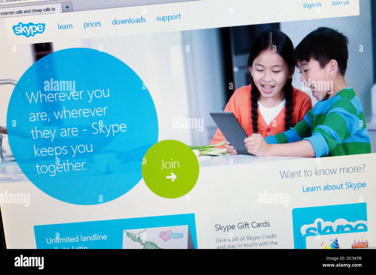 The home page of the Skype website. - Stock Image