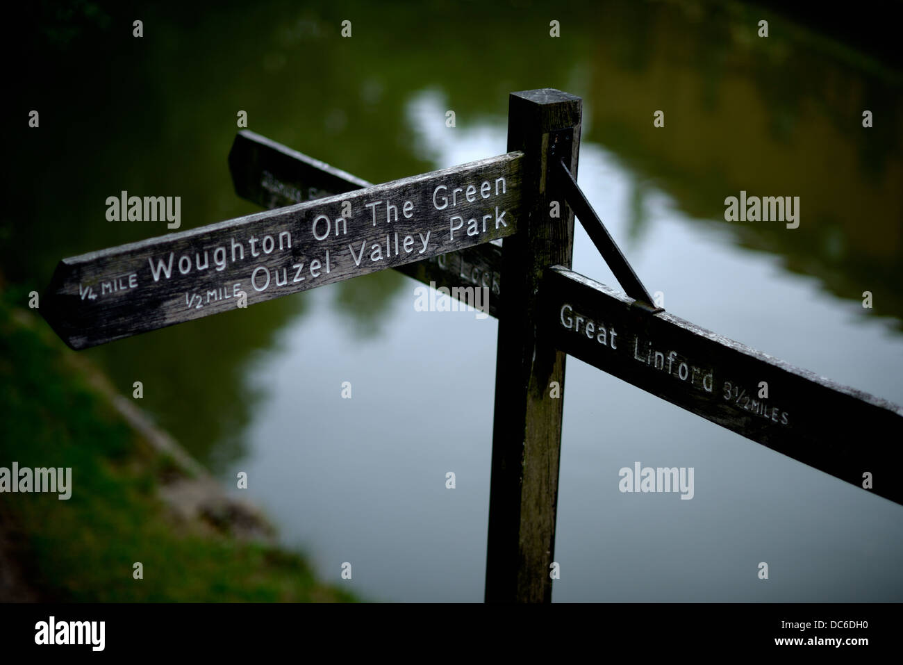 A sign on the towpath of a canal waterway - Stock Image