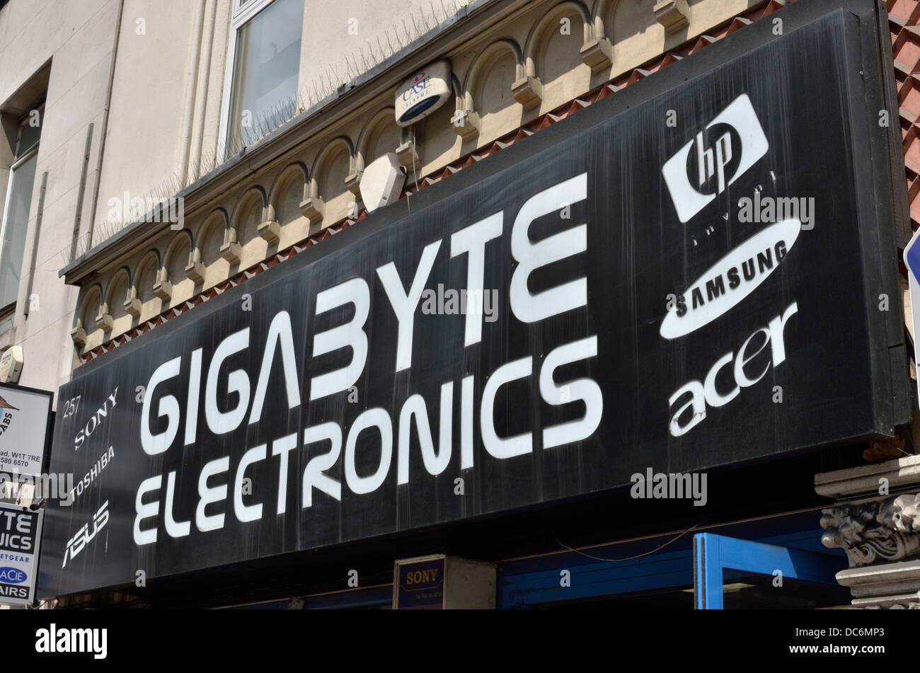 Gigabyte Electronics sign logo outside an an electronics store in Stock Photo: 59154987 - Alamy