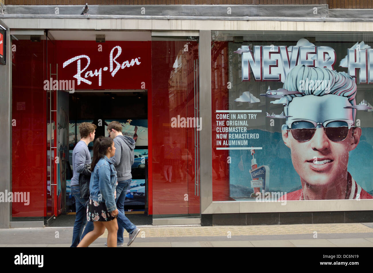 47399318fb Ray Ban Store Stock Photos   Ray Ban Store Stock Images - Alamy