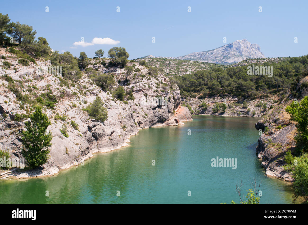 lac zola with mont sainte victoire in the background le tholonet stock photo 59161360 alamy. Black Bedroom Furniture Sets. Home Design Ideas