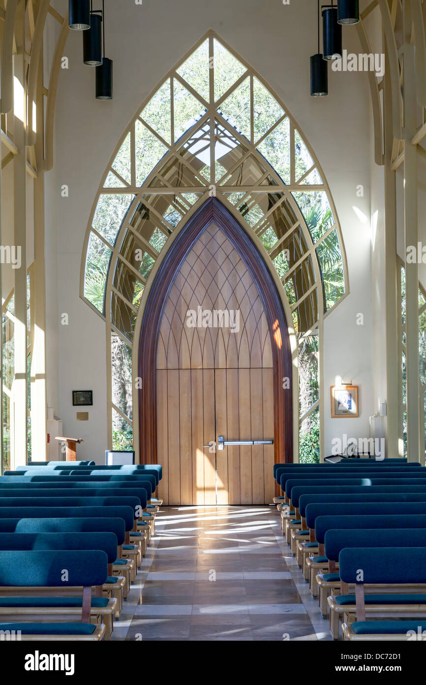 Entry doors arched truss of UF University of Florida Baughman Center Chapel Pavilion at Lake Alice designed by John - Stock Image