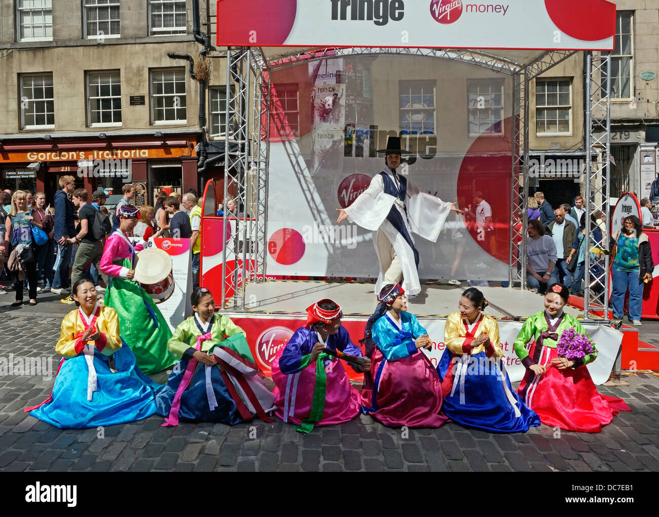 Modi Theatre Korea promoting A Romance show in The Royal Mile Edinburgh during the 2013 Edinburgh Festival Fringe - Stock Image