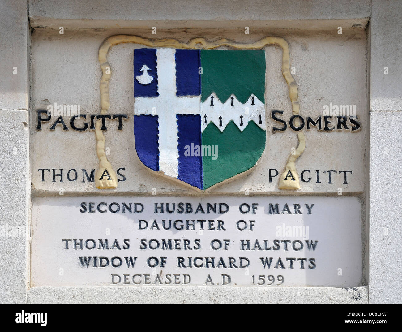 Rochester, Kent, England, UK. 'The Six Poor Travellers' House' Commemorative plaque on the facade.- - Stock Image