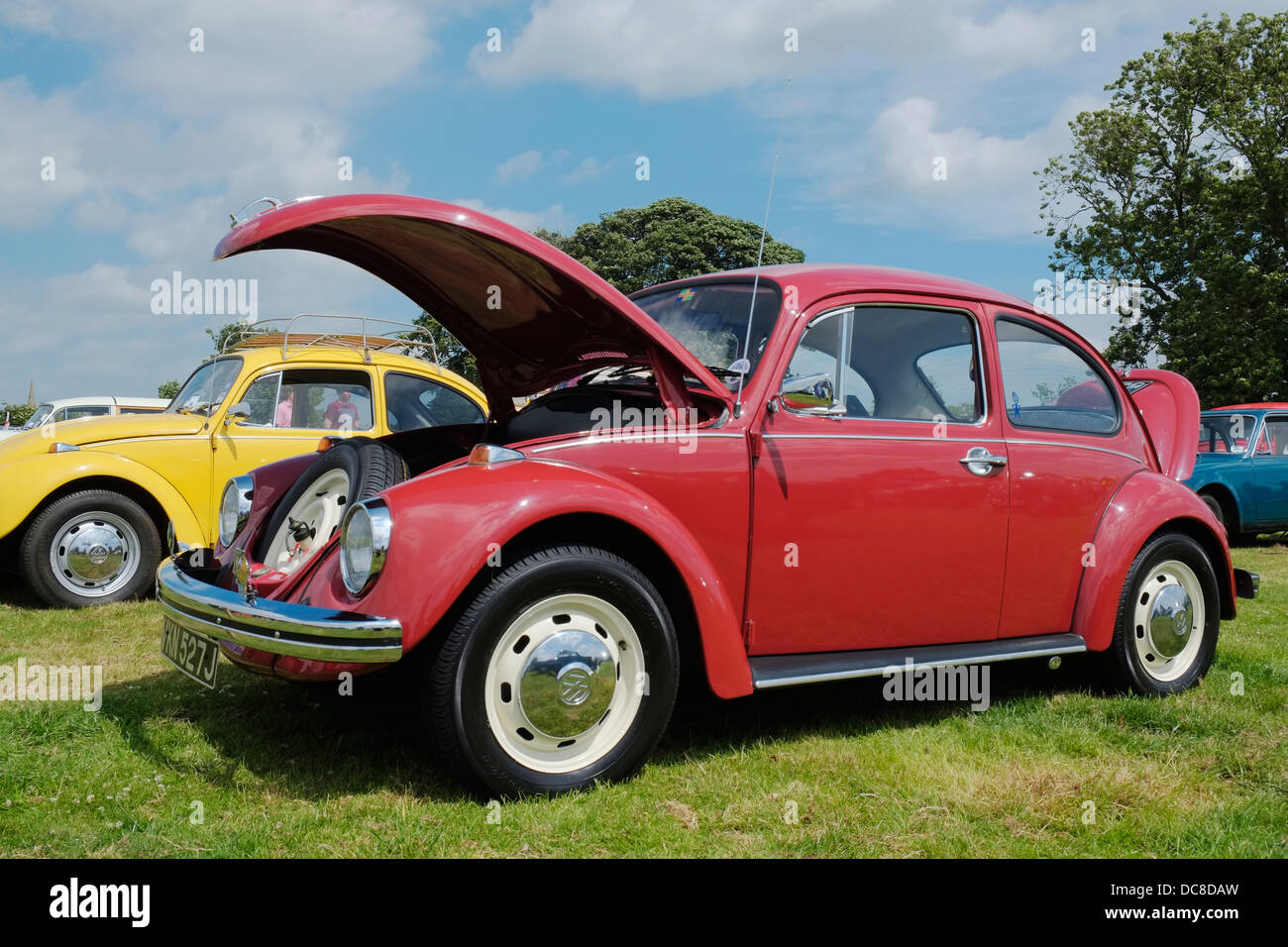Vw beetle 1970 stock photos vw beetle 1970 stock images for Credit auto garage volkswagen
