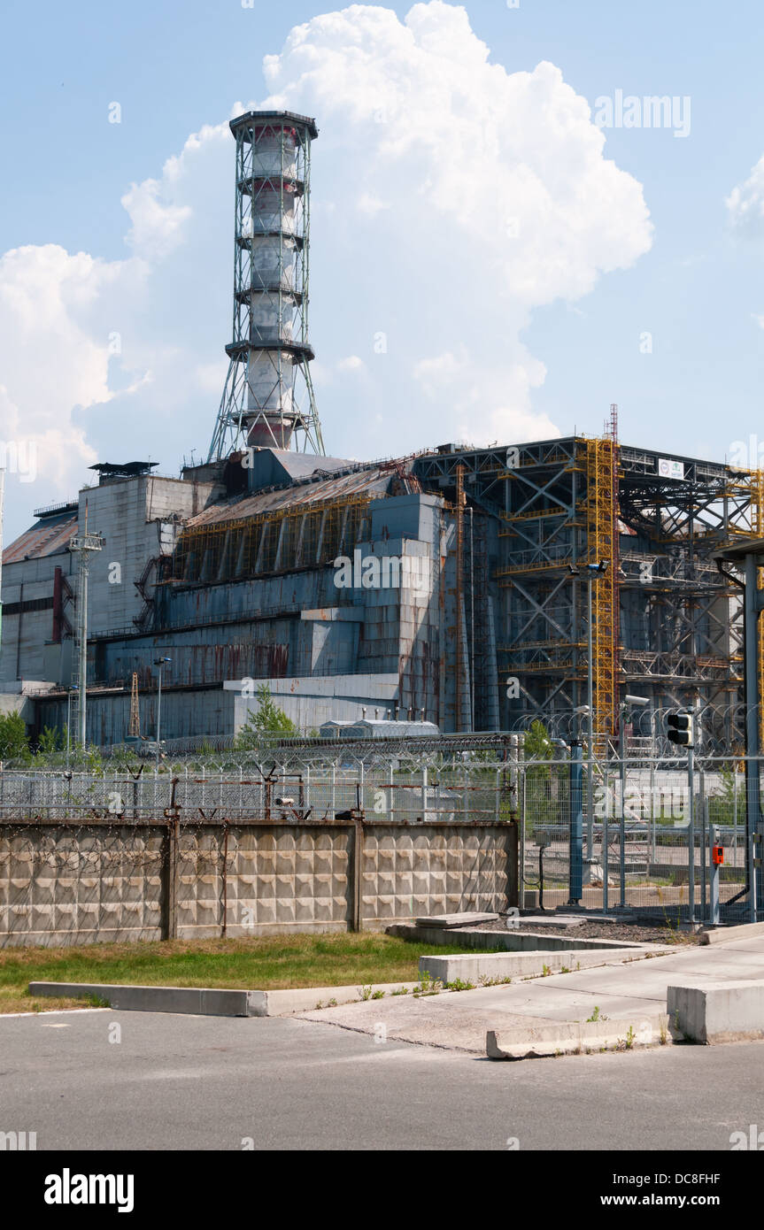 Chernobyl nuclear reactor power station under sarcophagus - Stock Image