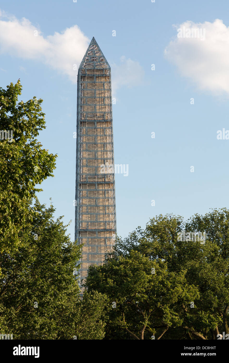 Washington Monument in scaffolding to repair damage caused by 2011 Earthquake, USA - Stock Image