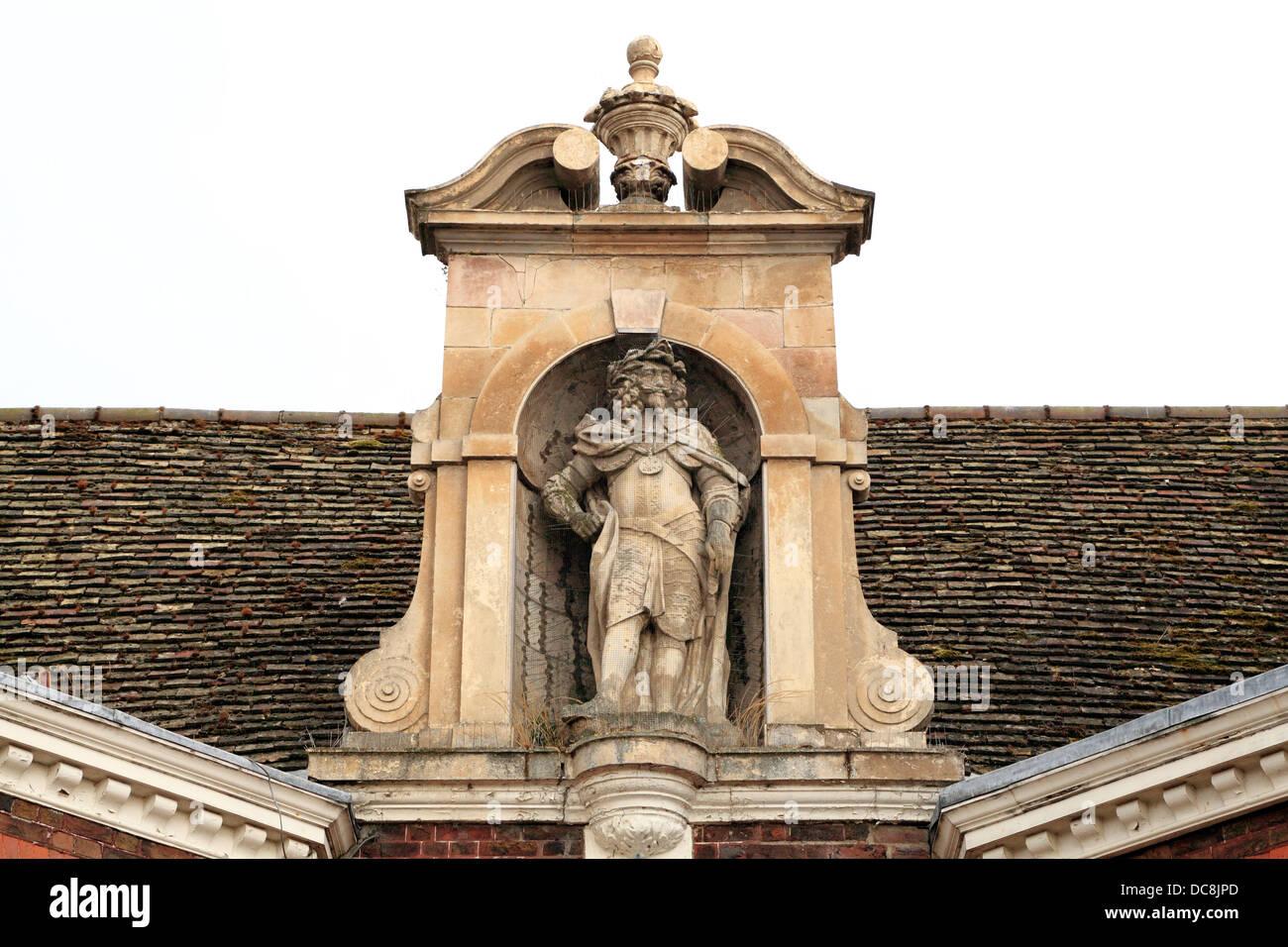Kings Staithe, Kings Lynn, King Charles 1st statue, 17th century, Norfolk, England, UK, English kings monarchs statues - Stock Image