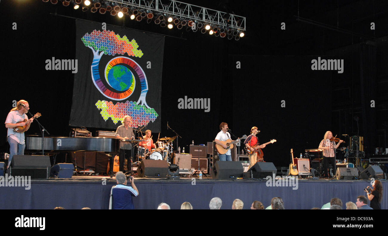 Portsmouth, Virginia, USA. 11th Aug, 2013. American newgrass, jamband 'Railroad Earth' performs during the - Stock Image