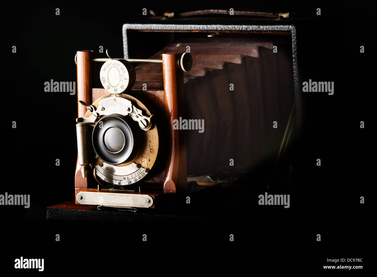 Antique view Camera with leather bellows - Stock Image