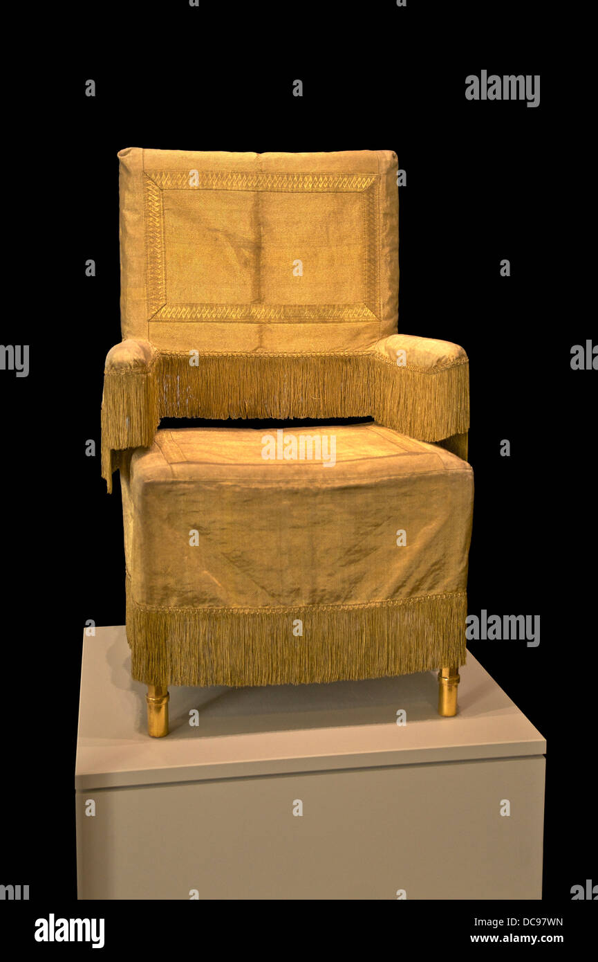 Portable throne of the Habsburg Emperors, used for the coronation ceremonies in Francfort cathedral. End of 18th - Stock Image