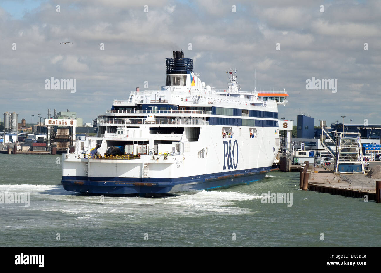 The 'Spirit of France' P&O ferry arriving at Calais harbour, Calais, France Europe - Stock Image