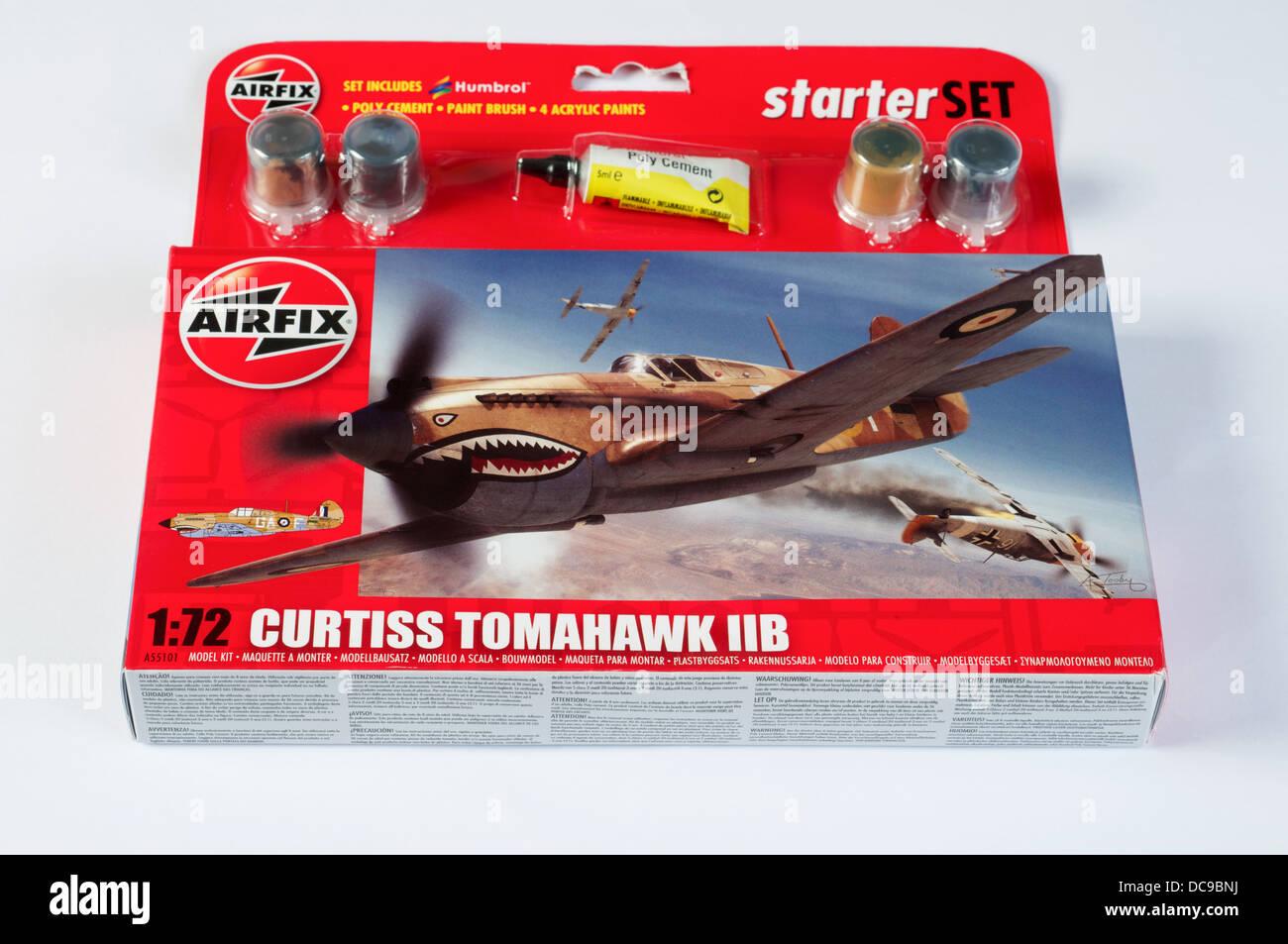 Paints /& Brush 1:72 Model A55101 Airfix Curtiss Tomahawk IIB Set W// Glue