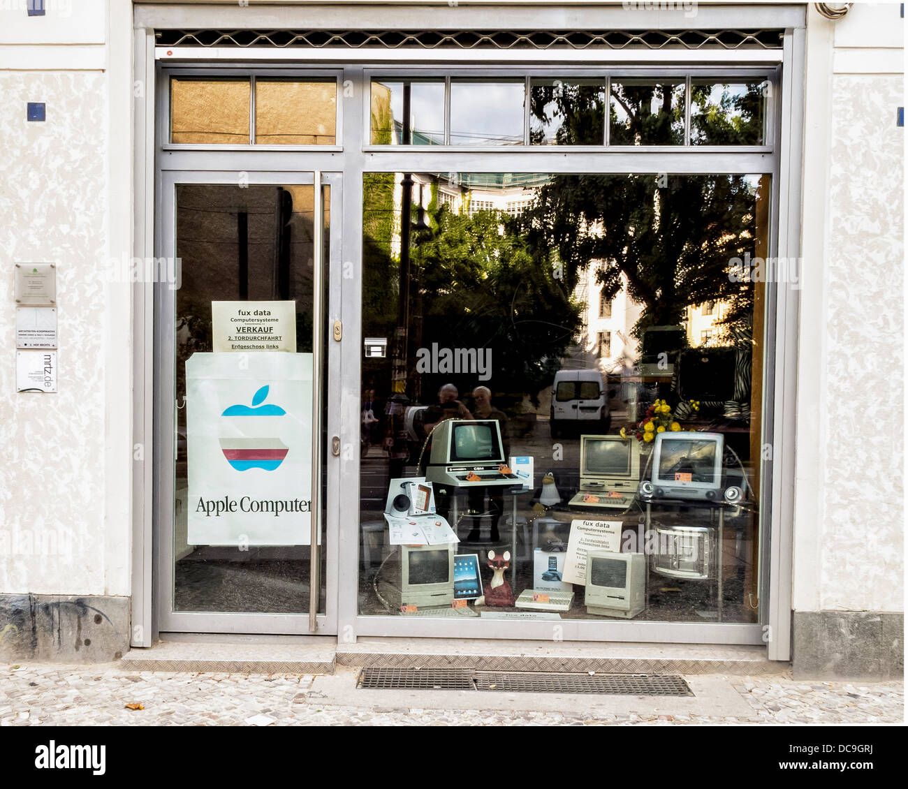 Fux Data, a shop selling and servicing old Apple and Mac computers, Berlin - Stock Image