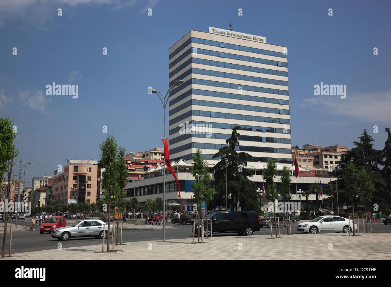 Tirana, Albanien, Skanderbeg Square and International Hotel Tirana - Stock Image