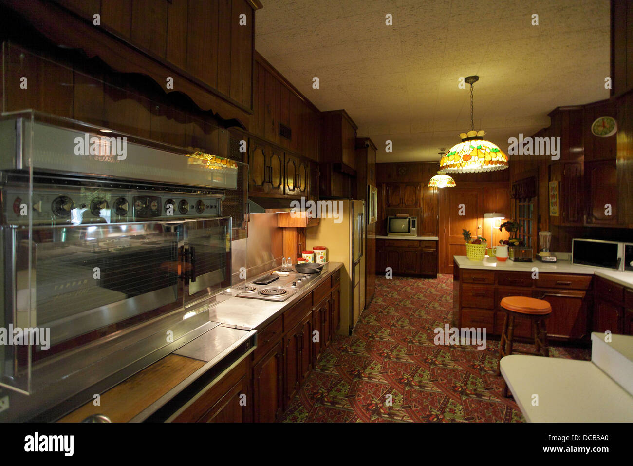 The Kitchen At Graceland The Home Of Elvis Presley In