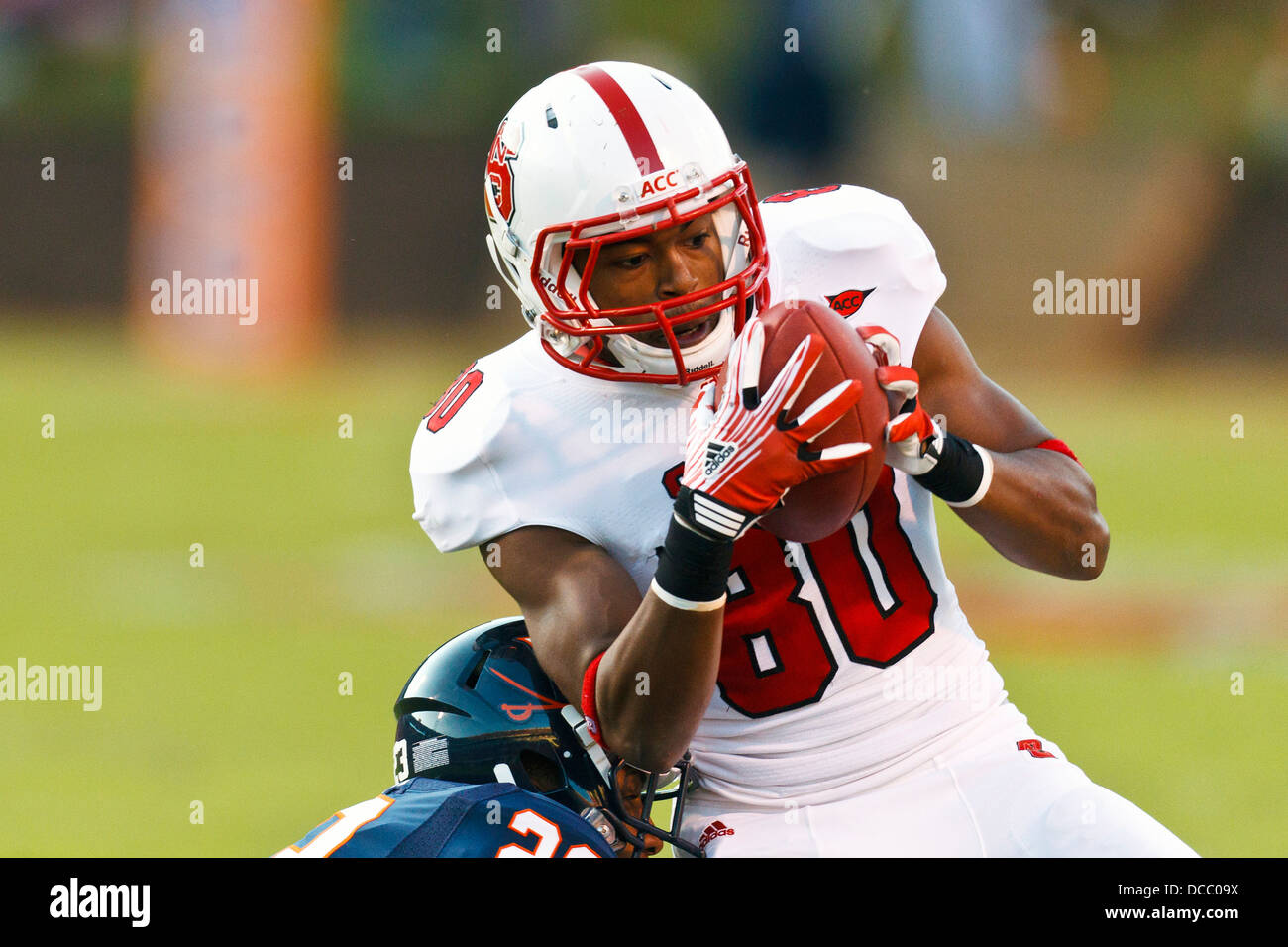 Football Player 80 High Resolution Stock Photography And Images Alamy