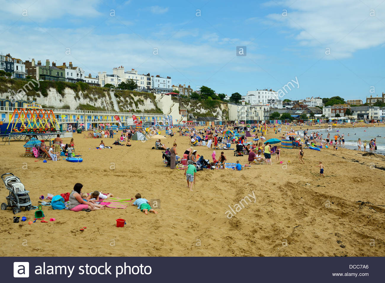 Holiday makers on the beach, Viking Bay, Broadstairs, Kent, England UK Stock Photo