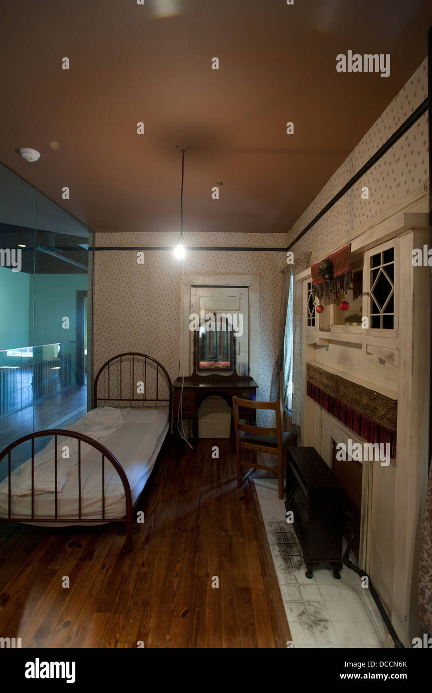 Jackson Rooming House Tampa