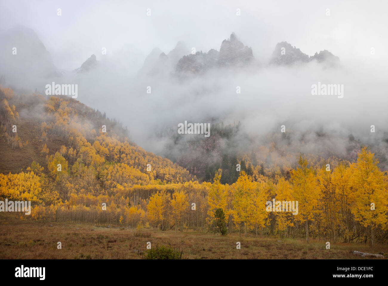 USA, Colorado, Aspen. Sievers Mountain with clouds swirling among its spires above the Maroon Valley. - Stock Image