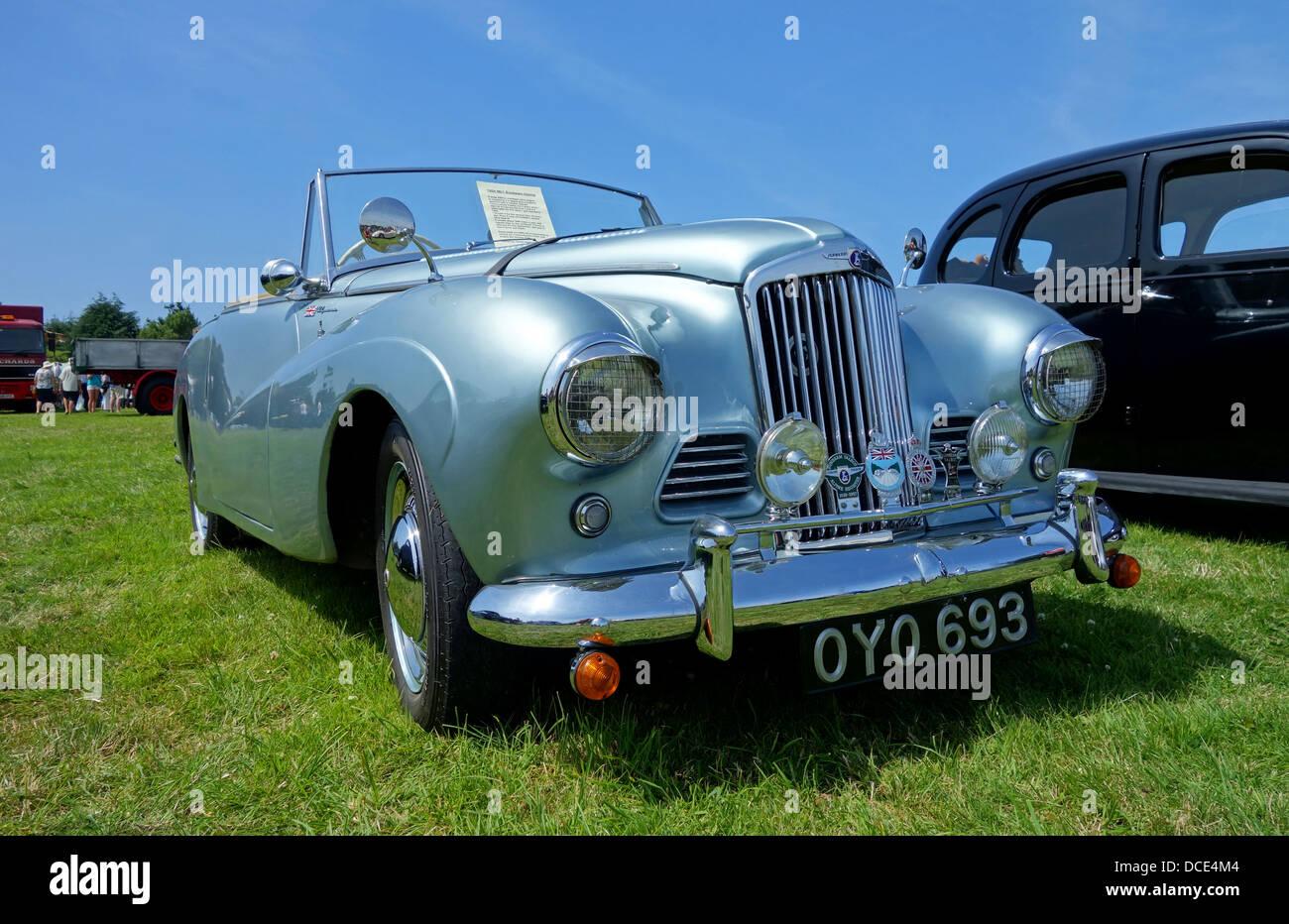 A 1954 mk1 Sunbeam Alpine at a classic car show - Stock Image