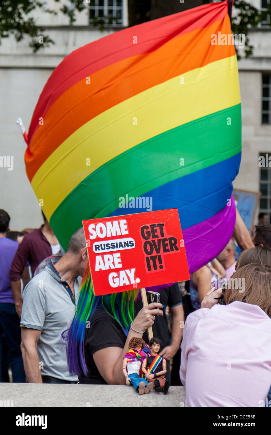 placard denouncing homophobic laws in Russia - Stock Image