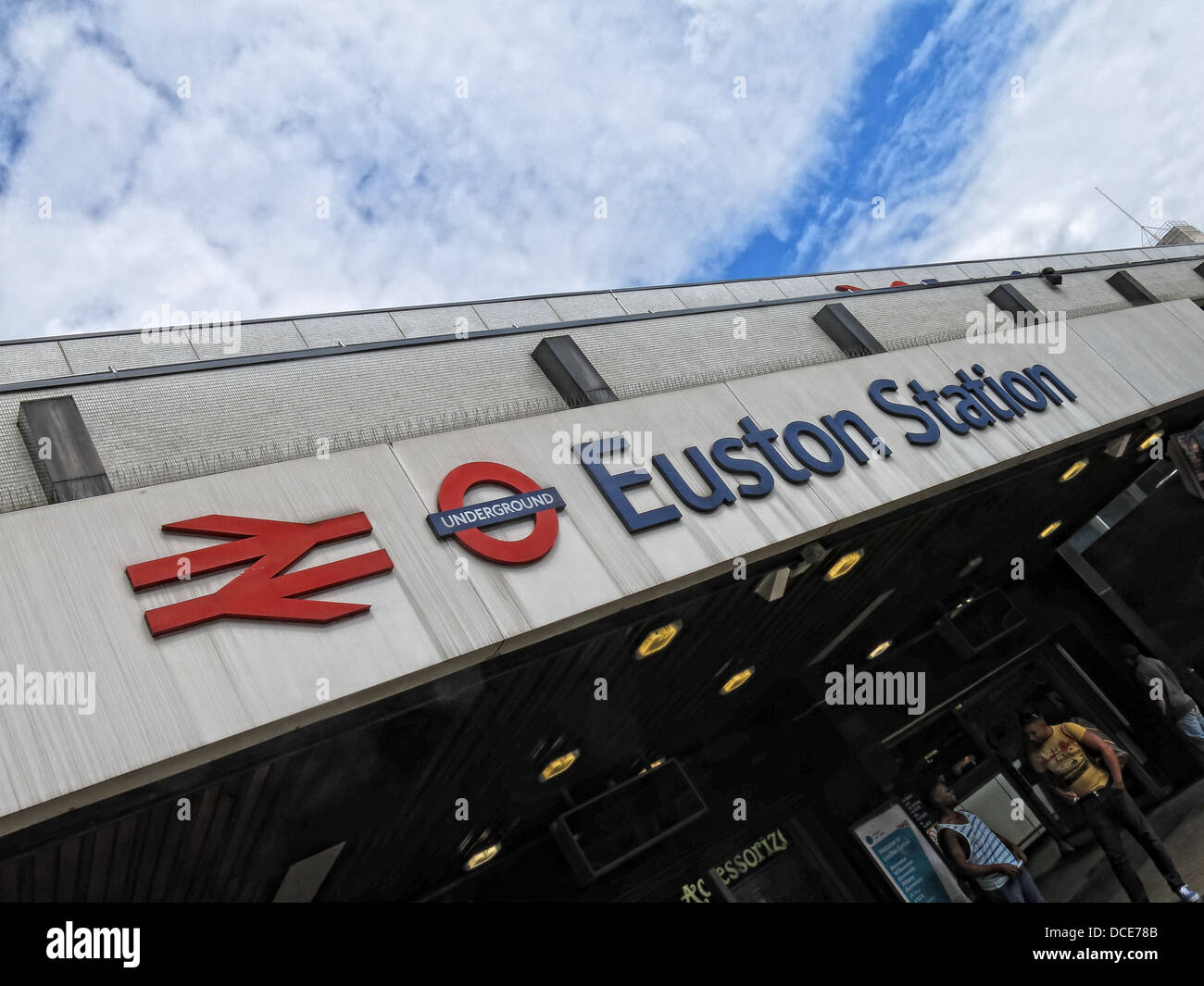 Main entrance concourse at Euston Station London - Stock Image