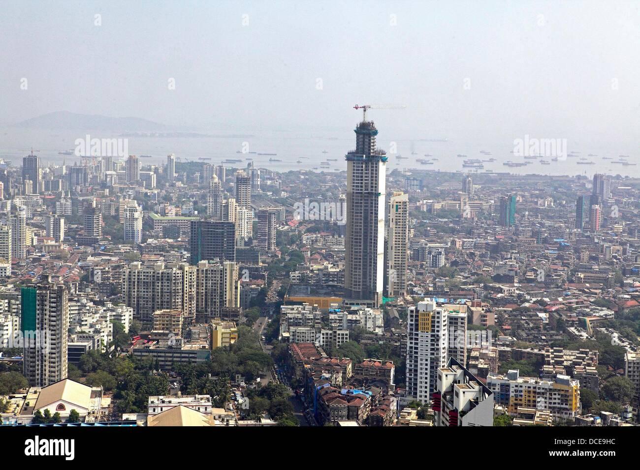 November 2, 2010 - Mumbai, Maharashtra, India - Ariel view of the Skyline of  Mumbai shows newly constrcuted luxury - Stock Image