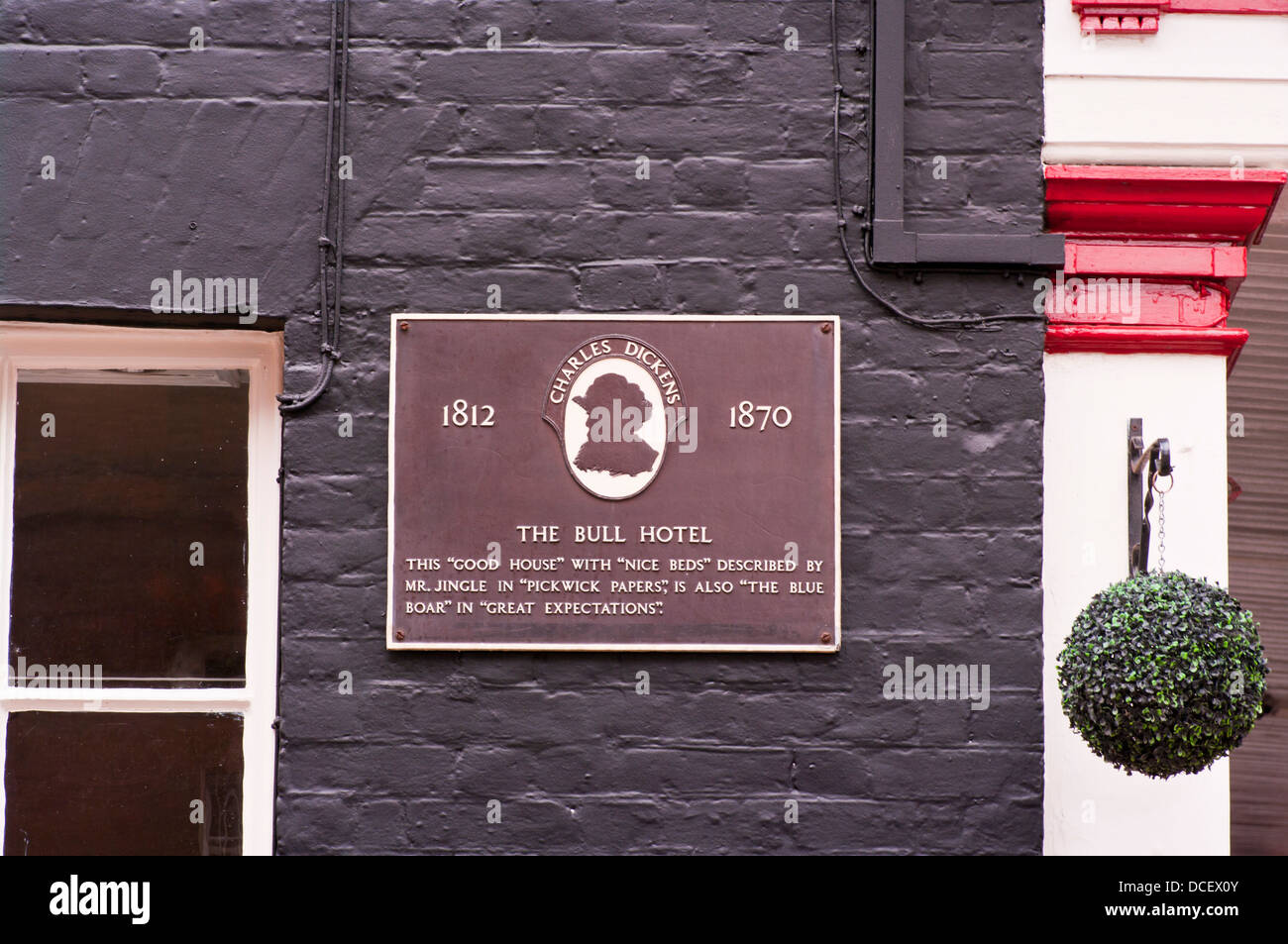 Plaque On The Bull Hotel Rochester Kent UK Celebrating that the Building was mentioned In Great Expectations and - Stock Image