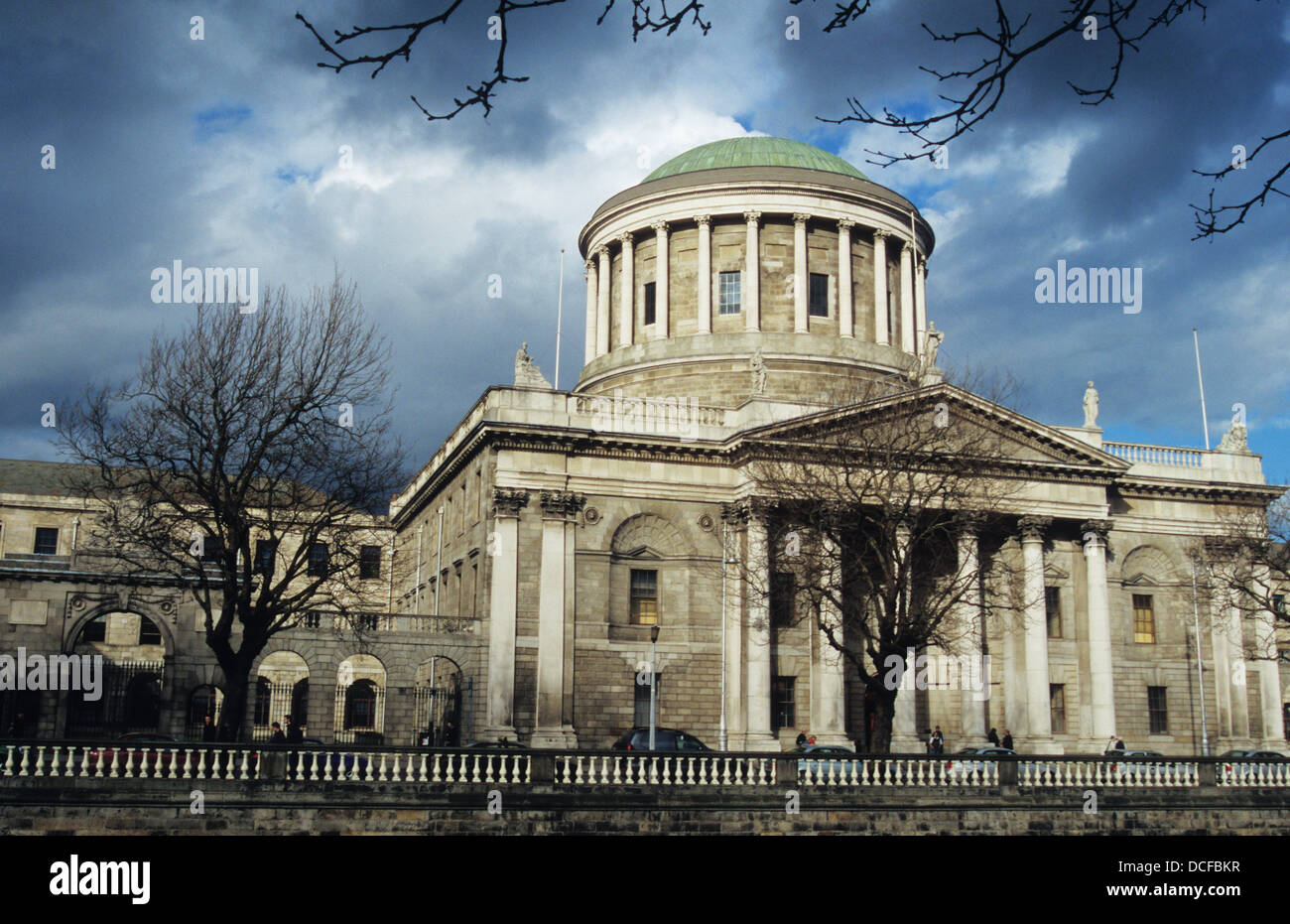 The Four Courts, Inn's Quay, Dublin pictured from across the Liffey at Merchant's Quay - Stock Image