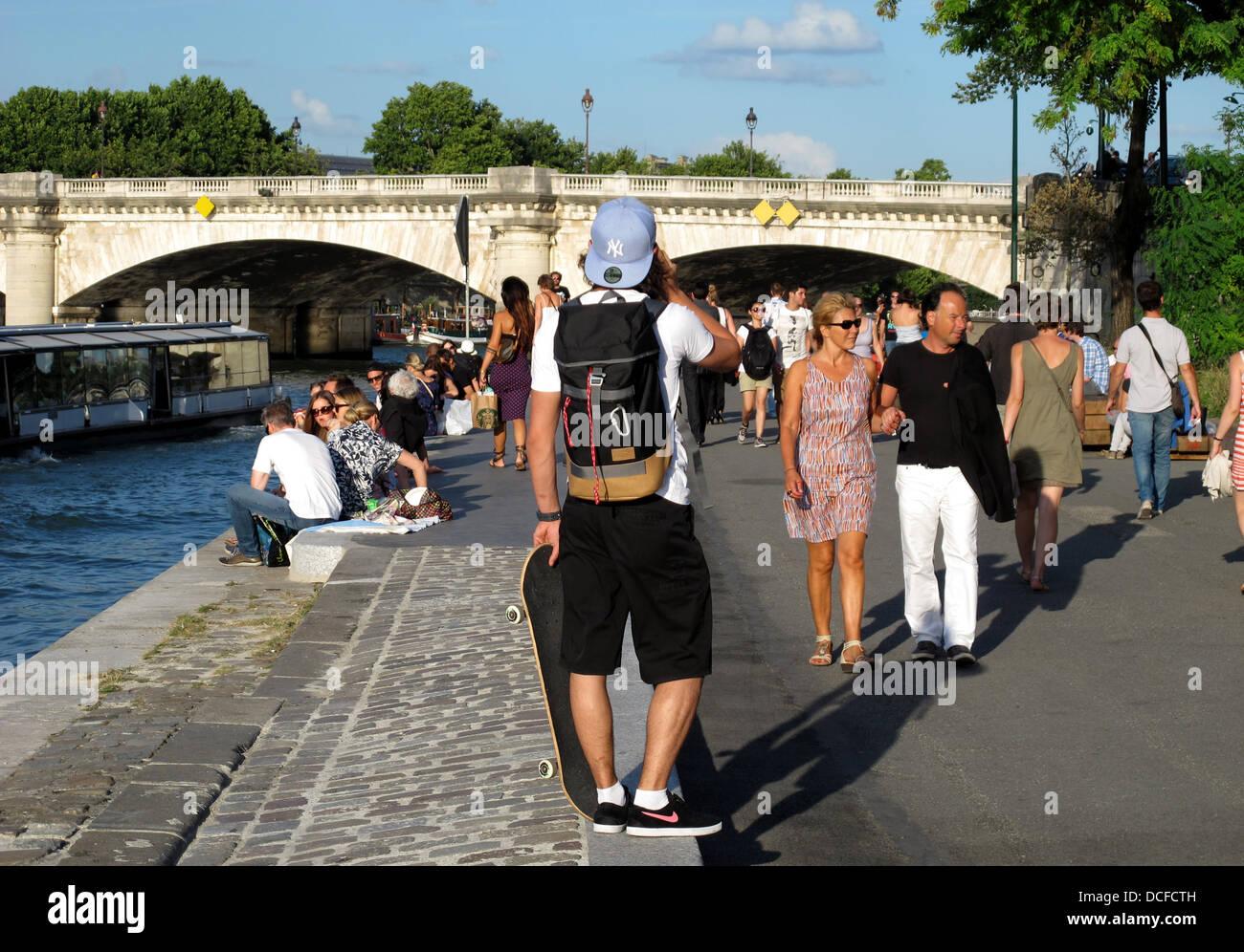 Les Berges,the new Seine river,quai d'Orsay,Pont de la Concorde,Paris,left bank,France Stock Photo