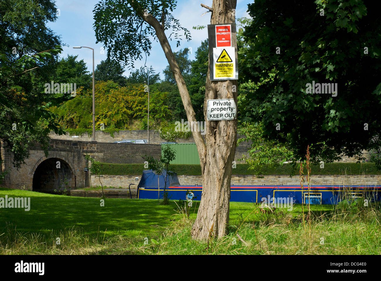 Private property signs next to the Calder and Hebble Navigation