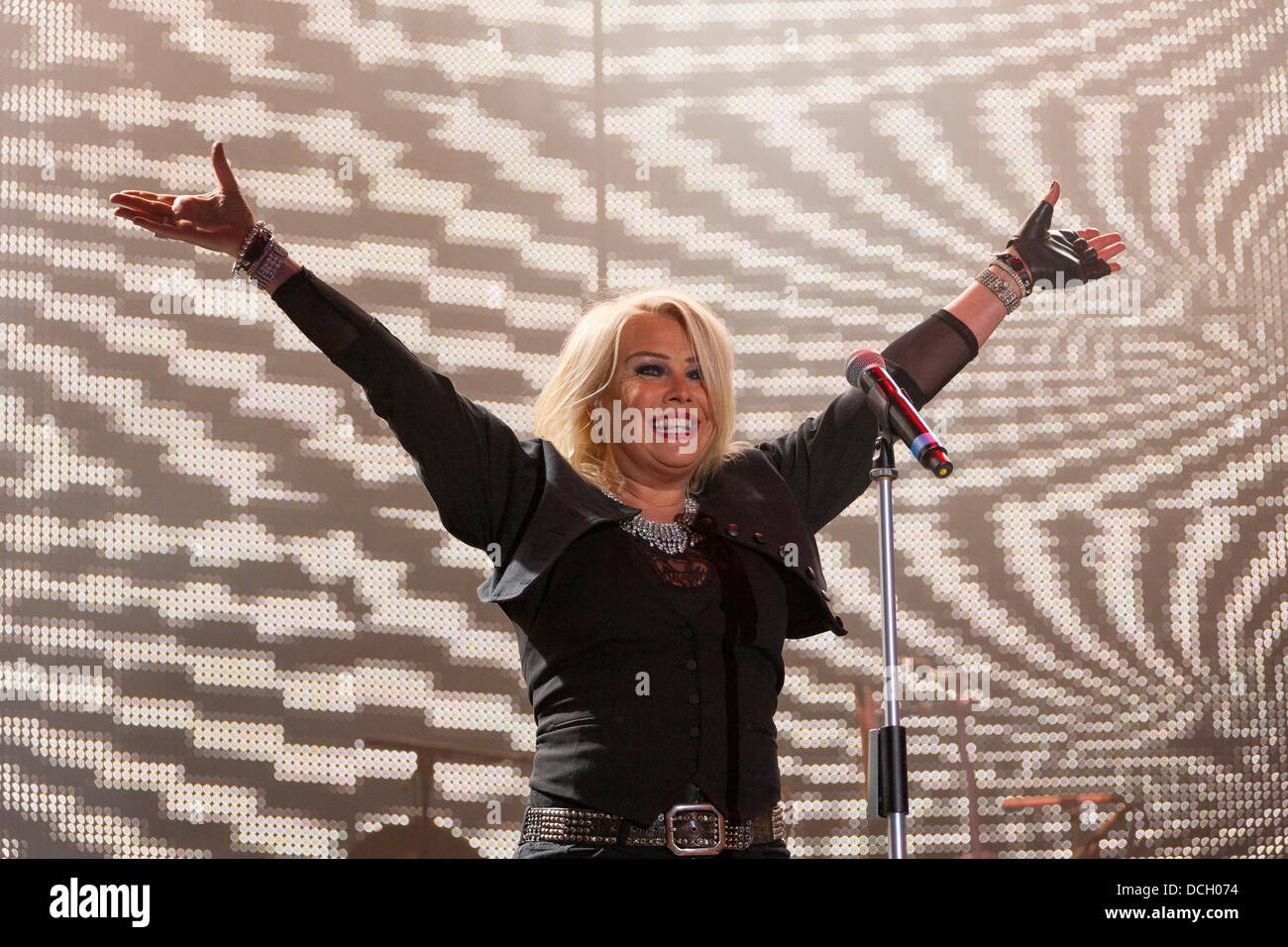 Remenham, Henley-on-Thames, Oxfordshire, UK. 17 August 2013. English pop singer KIM WILDE performs on-stage at the - Stock Image
