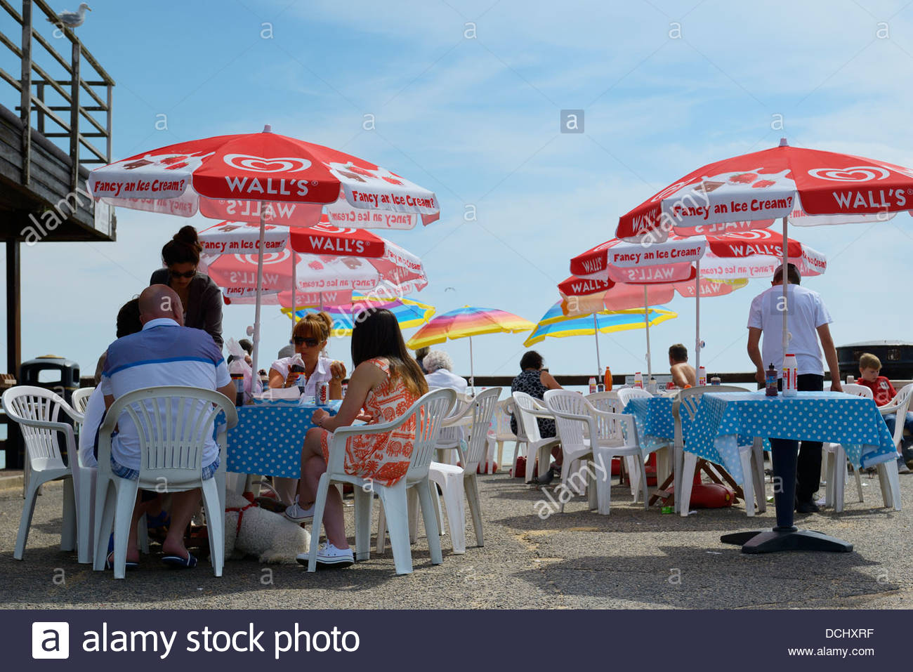 Harbour wall cafe, Viking Bay, Broadstairs, Kent, England UK - Stock Image