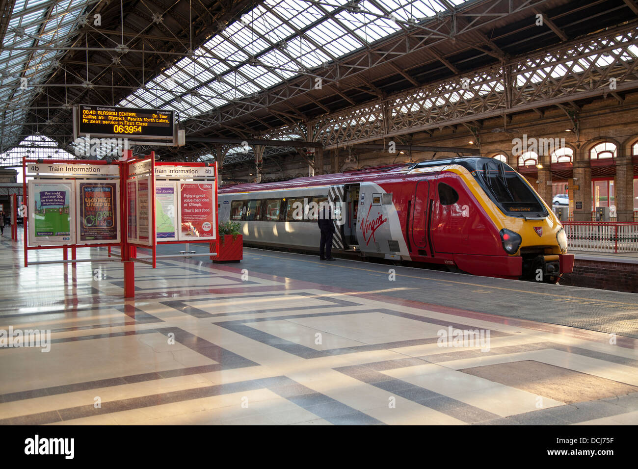 "Virgin Voyager ""John Cabot"" 221102 with new front side panels and sister class 222 Meridian units, Rail travel in Stock Photo"