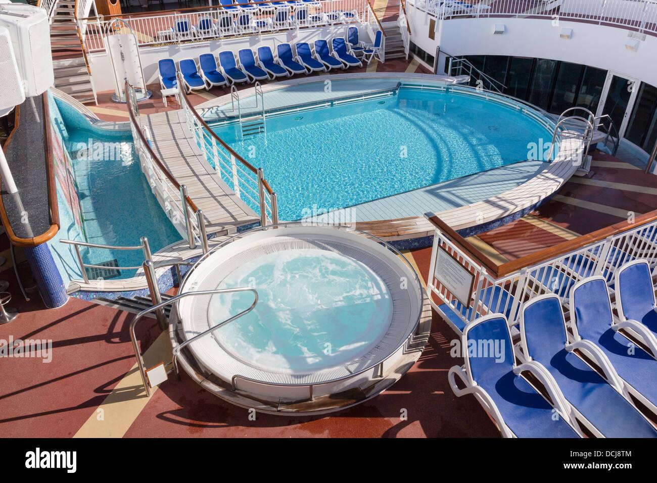 Empty swimming pool p o cruise ship aurora stock photo for Pool design ventura