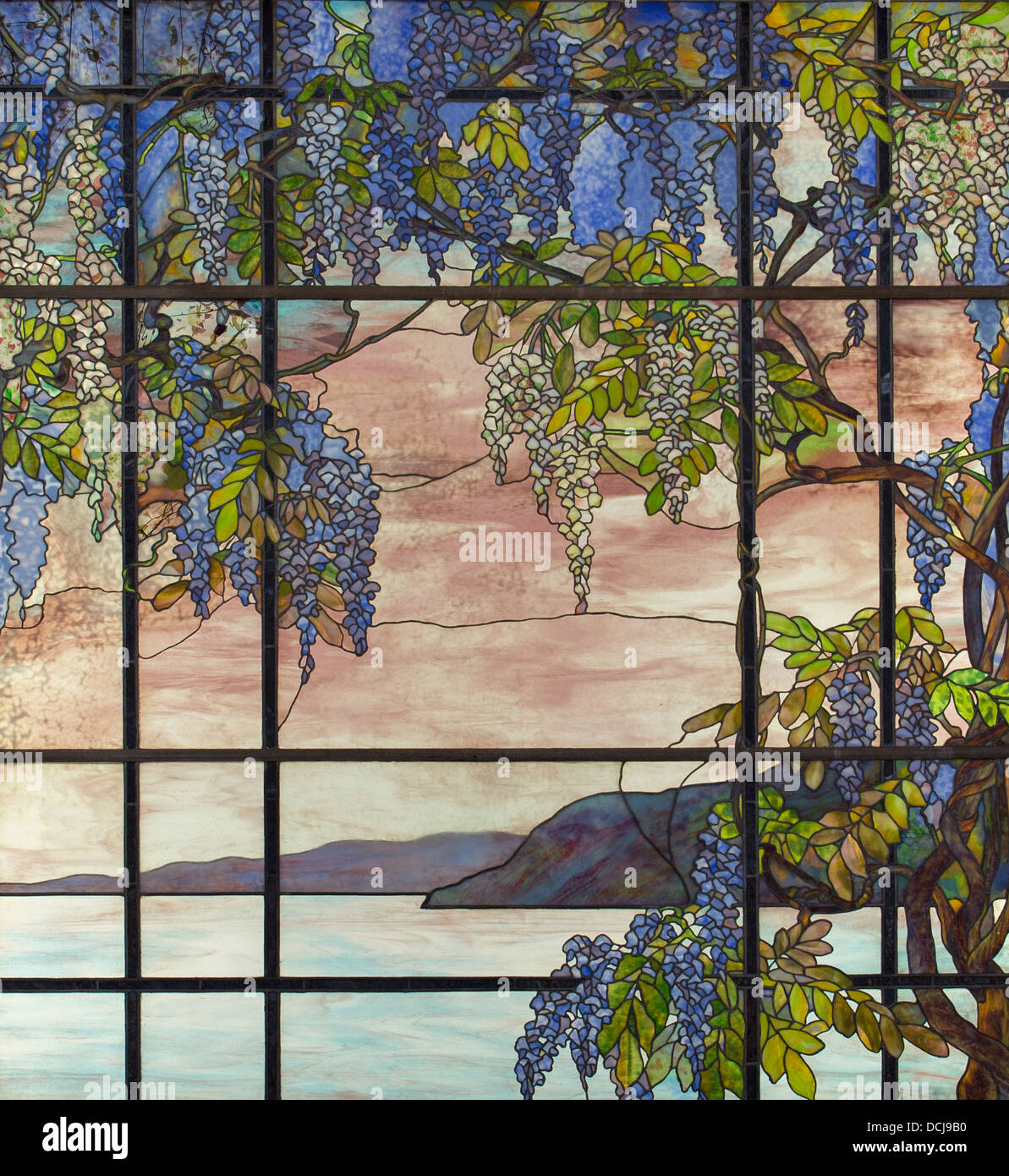 20th century  -  View of the Oyster Bay - Louis Comfort Tiffany (New-York City, 1908) - Limestone, ceramic, and Stock Photo
