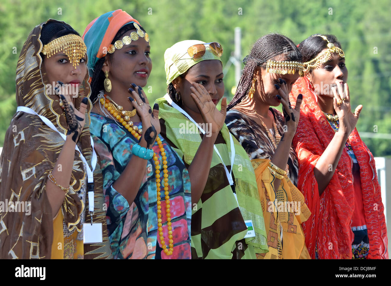 Djibouti dancers in line at the International Festival of Folklore and Dance from the mountains (CIME) - Stock Image