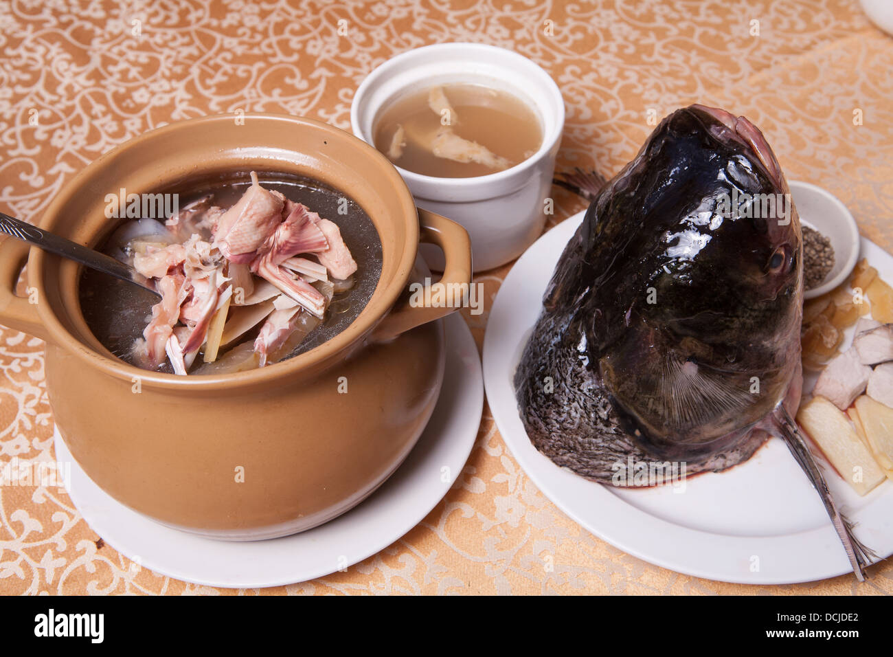 how to cook fish head soup chinese