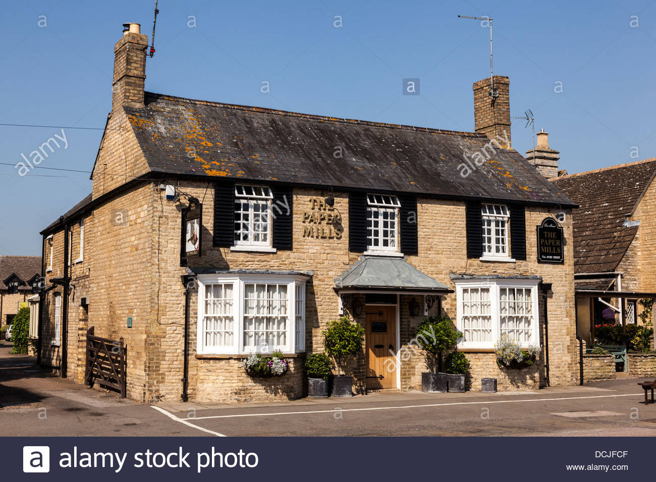 Paper Mills pub and restaurant in Wansford, Cambridgeshire, England, UK - Stock Image