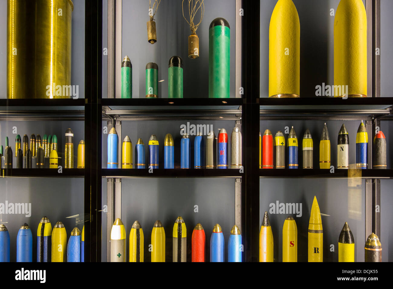 First World War One artillery ammunition showing WW1 coloured grenades and shells at the Memorial Museum Passchendaele - Stock Image