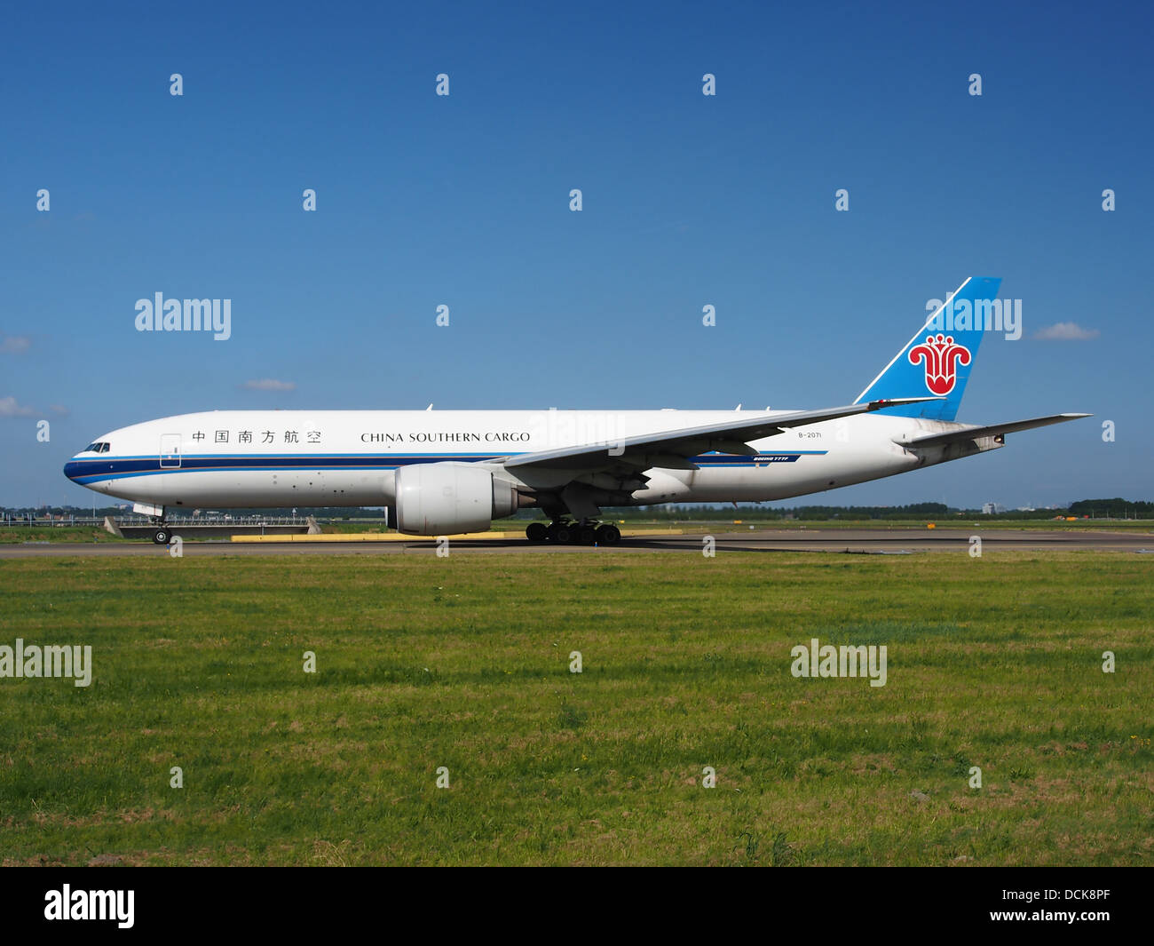 B-2071 China Southern Airlines Boeing 777-F1B - cn 37309 taxiing 18july2013 pic-005 - Stock Image